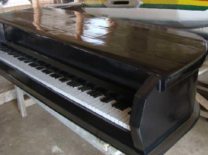ghana_coffin_piano_b